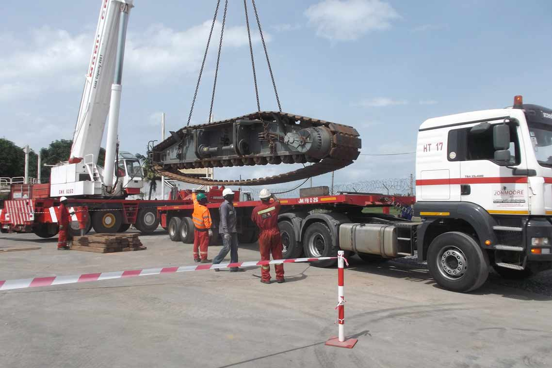 We-can-dis–and-reassembly-any-crane-in-the-region.